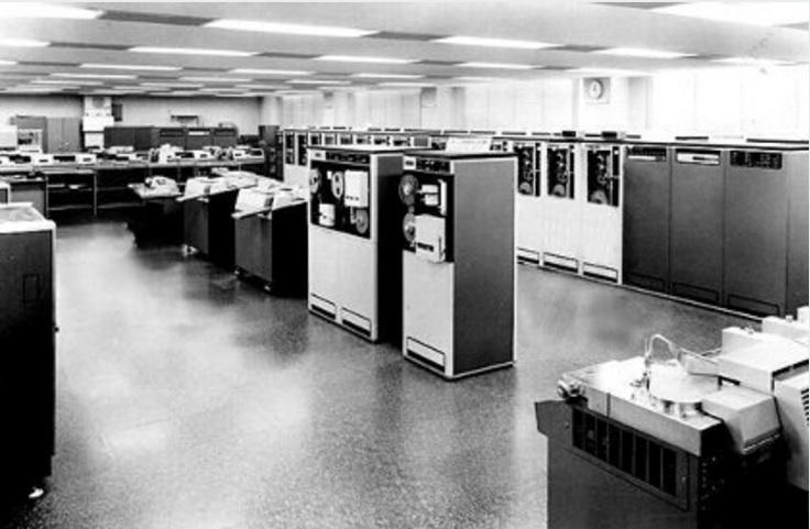 無1965年に発表された大型汎用機の「HITAC 8500」