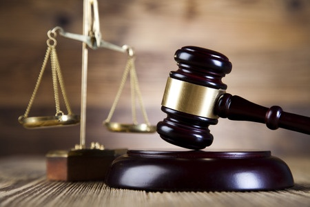 裁判と法律ロゴ27053198_s